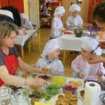 """foto: """"Kulinarne potyczki"""" - rodzinny konkurs w Przedszkolu nr 3 - DSCN2578 150x150"""