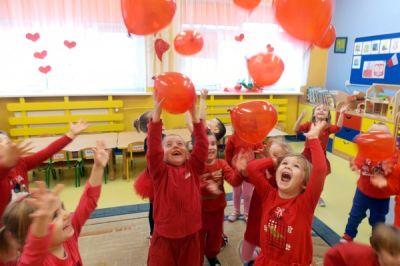 Przedszkolaki podczas zabawy