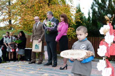 Uczestnicy uroczystości Święta Drzewa