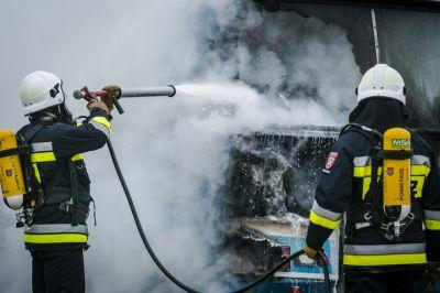 Strażacy podczas ćwiczeń