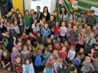 Przedszkolaki na spotkaniu z harcerzami