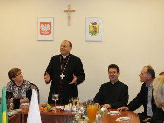 Biskup na spotkaniu z pracownikami Urzędu Miasta