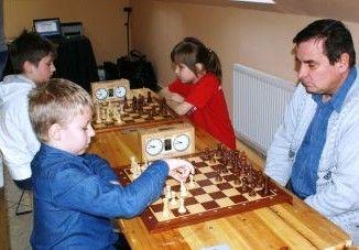 Uczestnicy turnieju podczas gry