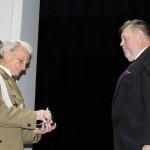 foto: Złoty Krzyż Związku Inwalidów Wojennych RP dla Burmistrza Miasta - MG 3721 150x150
