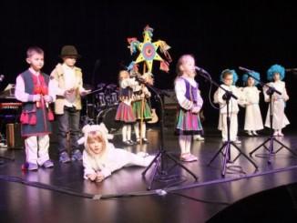 Uczestnicy podczas występu