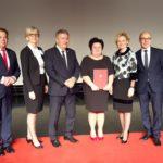 Urszula Marcinkowska podczas odbierania nagrody
