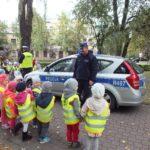 foto: Czapka , gwizdek, ręka w górę. Uwaga! Pan policjant ruchem kieruje! - DSCF4004 150x150