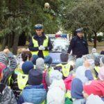 foto: Czapka , gwizdek, ręka w górę. Uwaga! Pan policjant ruchem kieruje! - DSCF4011 150x150
