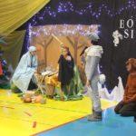 Przedszkolaki podczas świątecznej zabawy