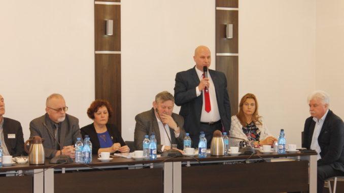 Władze miasta podczas sesji