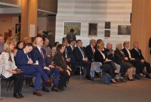 """foto: Wystawa plastyczna """"Ofiarom Katastrofy Smoleńskiej"""" w Parlamencie Europejskim! - 01 300x202"""