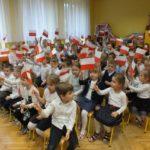 foto: Dzieci z MP2 uczciły Święto Flagi Polskiej - DSCF9718 150x150