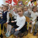 foto: Dzieci z MP2 uczciły Święto Flagi Polskiej - DSCF9692 150x150