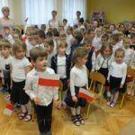 foto: Dzieci z MP2 uczciły Święto Flagi Polskiej - DSCF9710 150x150