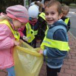 foto: Przedszkolaki z Dwójki posprzątały świat ! - DSCF8218 150x150
