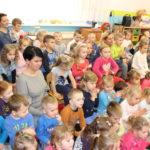 foto: Burmistrz czyta dzieciom - IMG 3674 150x150