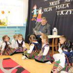 foto: Burmistrz czyta dzieciom - IMG 3689 150x150
