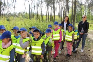 foto: Światowy Dzień Ziemi -100 drzew na 100-lecie Niepodległości - 3 300x200