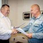 foto: Umowa na kontynuację budowy Parku Przemysłowego wraz termomodernizacją SP2 - IMG 2503 150x150
