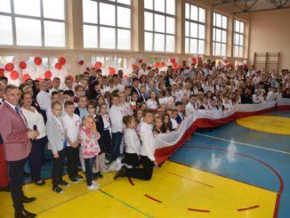 Przedszkolaki podczas uroczystości jubileuszowych