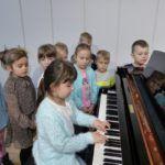foto: Przedszkolaki z MP2 odwiedziły Szkołę Muzyczną I Stopnia - P1070506 150x150
