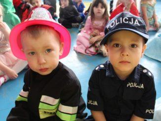 Przedszkolaki podczas balu karnawałowego