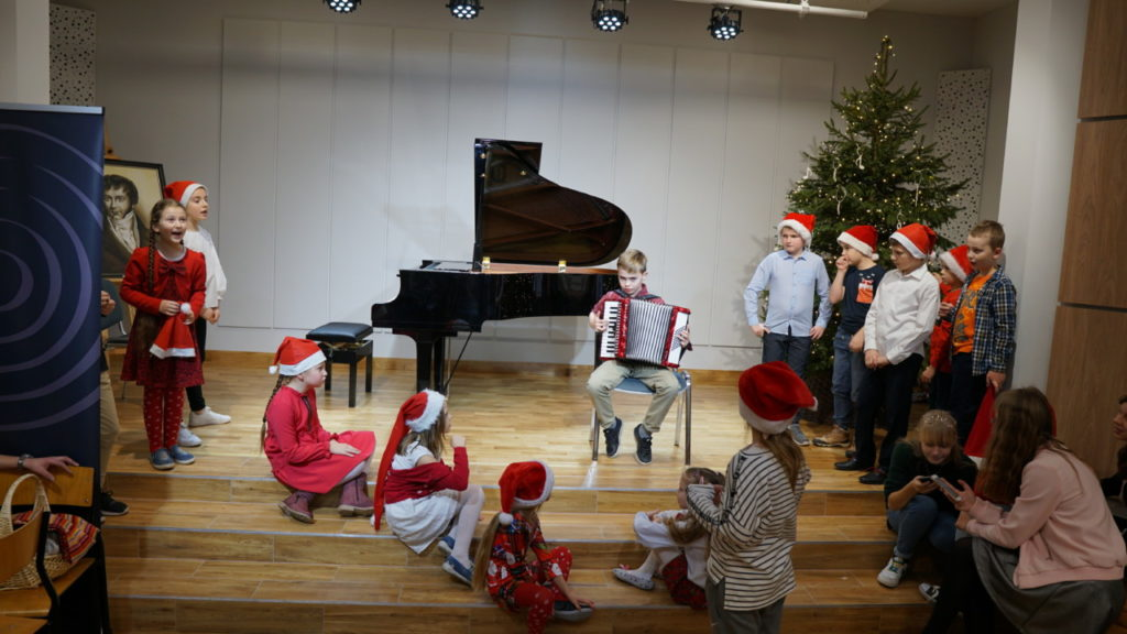 foto: Muzyczne podsumowanie I semestru w Szkole Muzycznej - 17 1 1024x576