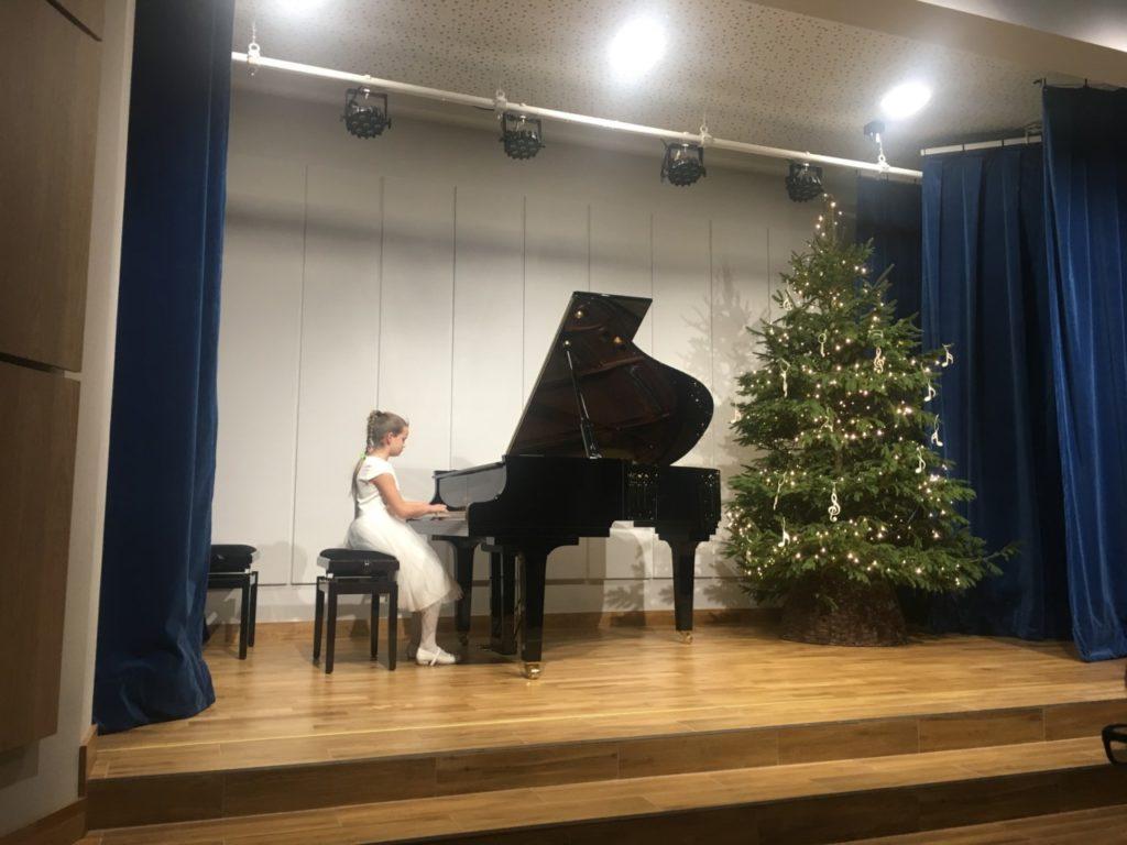 foto: Muzyczne podsumowanie I semestru w Szkole Muzycznej - 22 1 1024x768