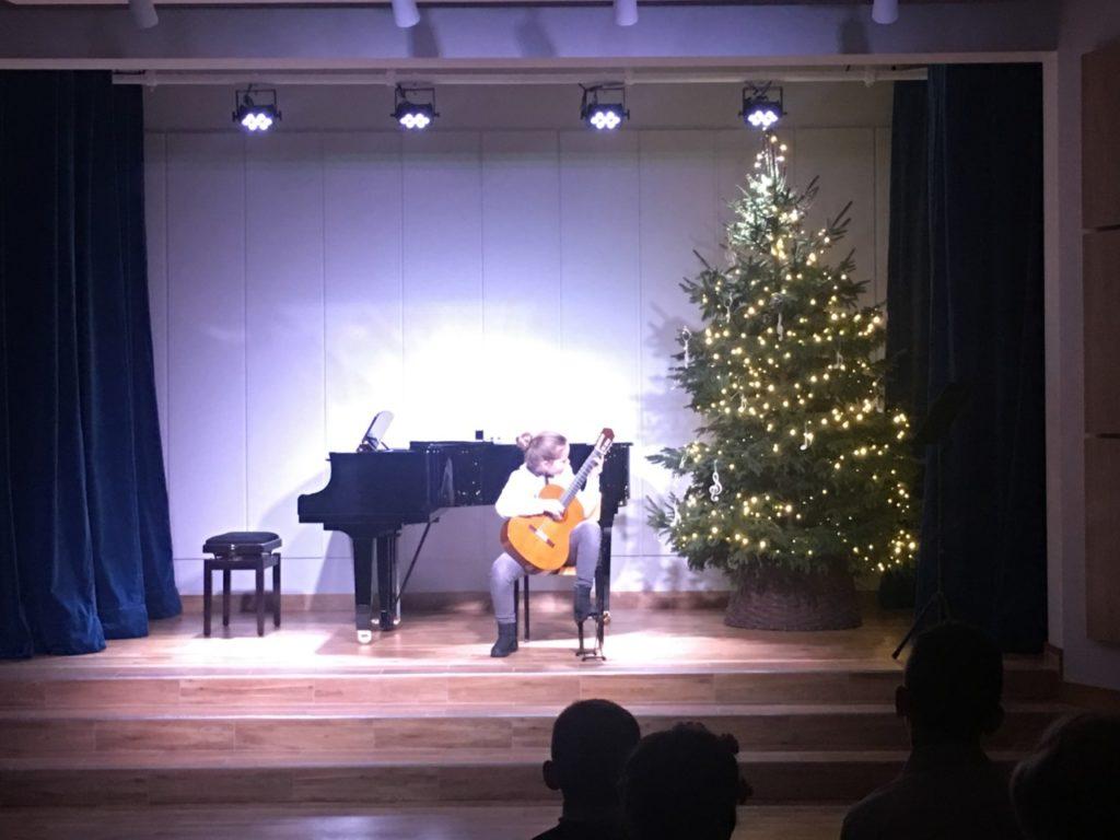 foto: Muzyczne podsumowanie I semestru w Szkole Muzycznej - 23 1024x768
