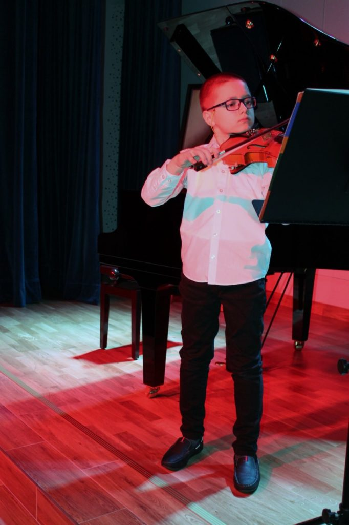 foto: Koncert Zimowy w wykonaniu uczniów Szkoły Muzycznej - 4 3 682x1024