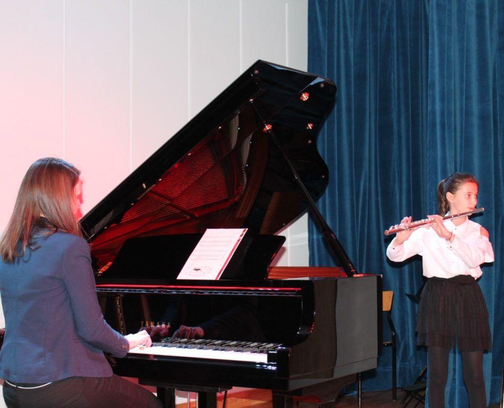 foto: Koncert Zimowy w wykonaniu uczniów Szkoły Muzycznej - 10 2 1024x828