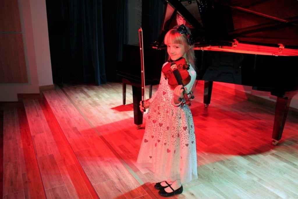 foto: Koncert Zimowy w wykonaniu uczniów Szkoły Muzycznej - 12 2 1024x682