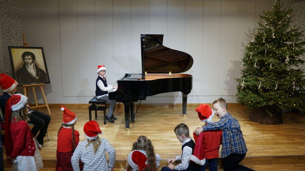 foto: Muzyczne podsumowanie I semestru w Szkole Muzycznej - 13 1 1024x576