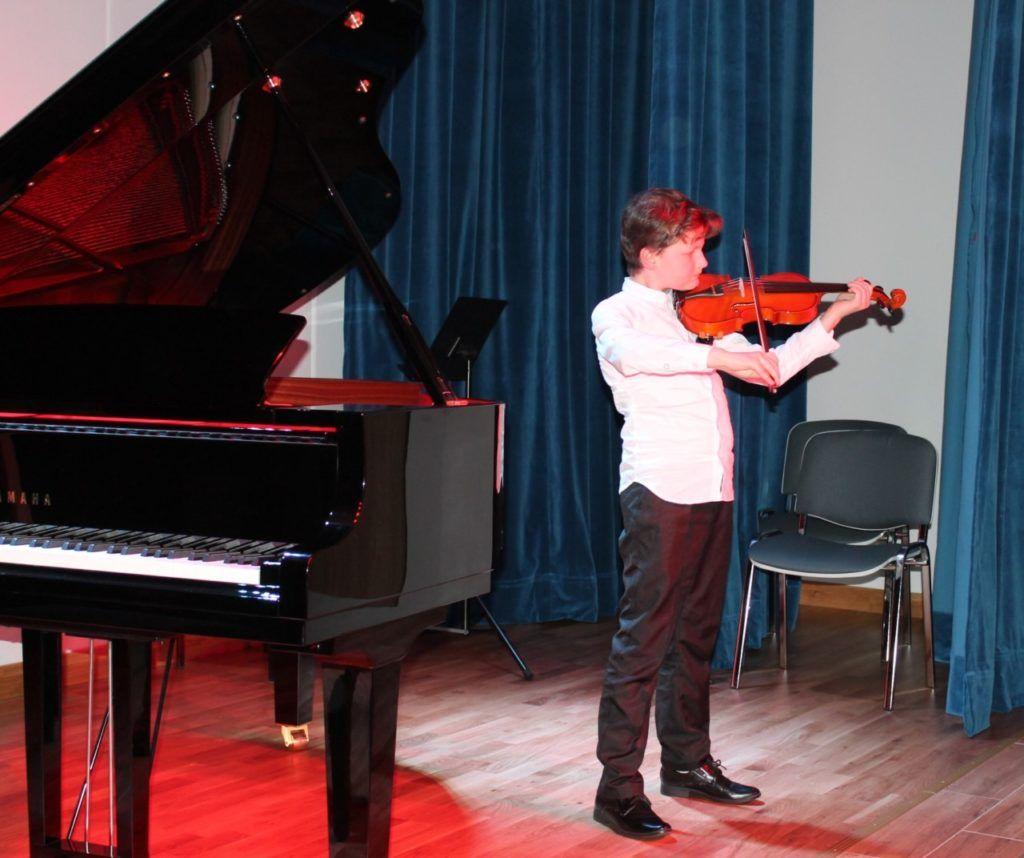 foto: Koncert Zimowy w wykonaniu uczniów Szkoły Muzycznej - 13 3 1024x858