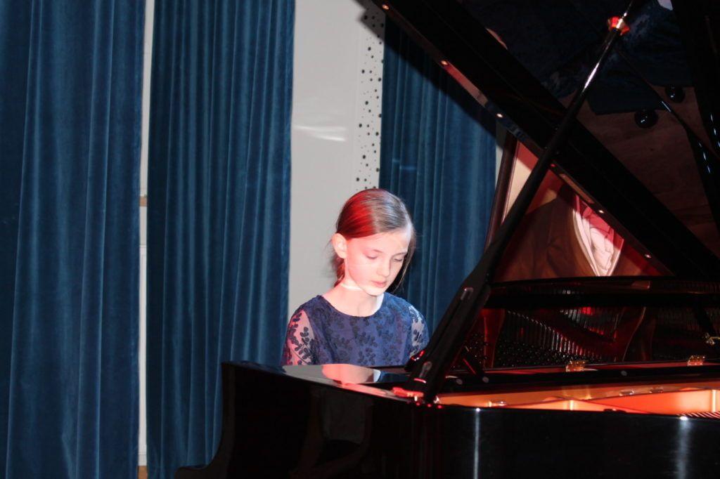 foto: Koncert Zimowy w wykonaniu uczniów Szkoły Muzycznej - 15 3 1024x682
