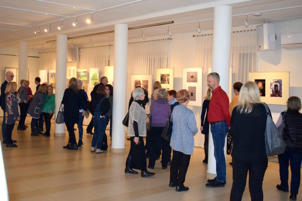 foto: Drohiczyn 2018 - wystawa poplenerowa w Galerii DOM - DSC 0063 2 1024x682