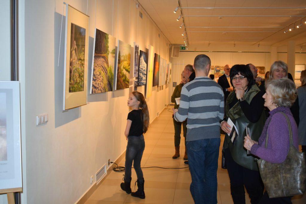 foto: Drohiczyn 2018 - wystawa poplenerowa w Galerii DOM - DSC 0121 1024x682