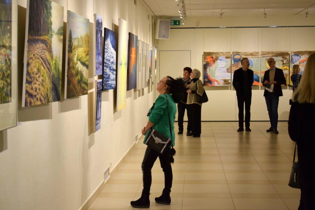 foto: Drohiczyn 2018 - wystawa poplenerowa w Galerii DOM - DSC 0146 1024x682