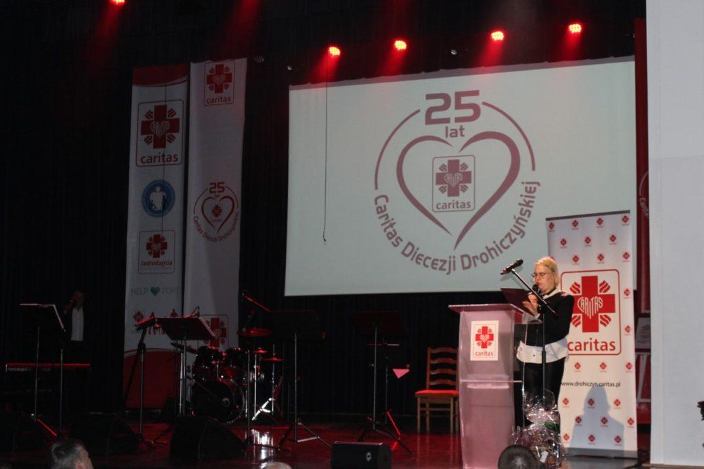foto: Gala jubileuszowa 25-lecia Caritas Diecezji Drohiczyńskiej - IMG 5341 1024x682
