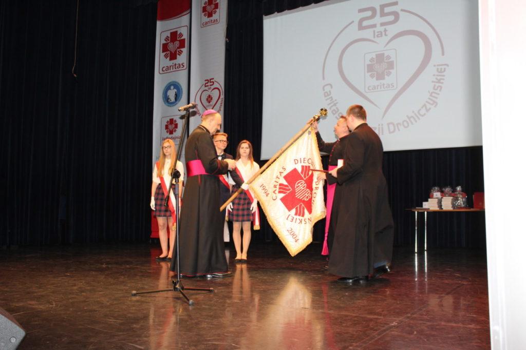 foto: Gala jubileuszowa 25-lecia Caritas Diecezji Drohiczyńskiej - IMG 5449 1024x682