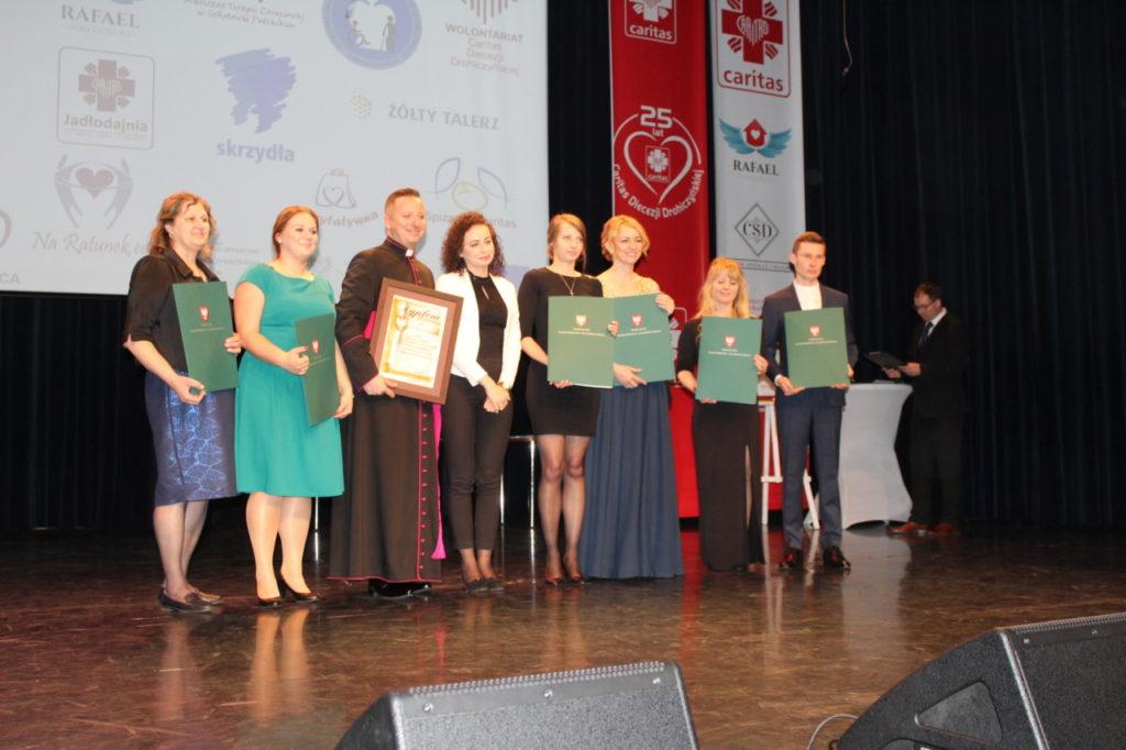 foto: Gala jubileuszowa 25-lecia Caritas Diecezji Drohiczyńskiej - IMG 5574 1024x682