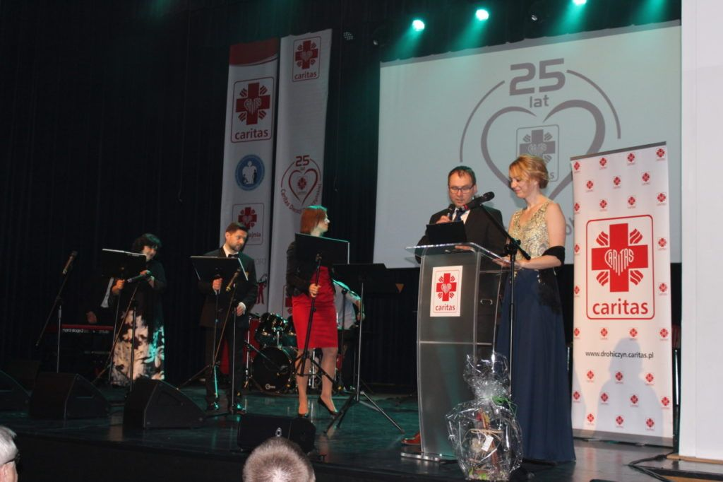 foto: Gala jubileuszowa 25-lecia Caritas Diecezji Drohiczyńskiej - IMG 5366 1024x682