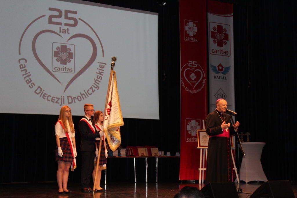 foto: Gala jubileuszowa 25-lecia Caritas Diecezji Drohiczyńskiej - IMG 5443 1024x682