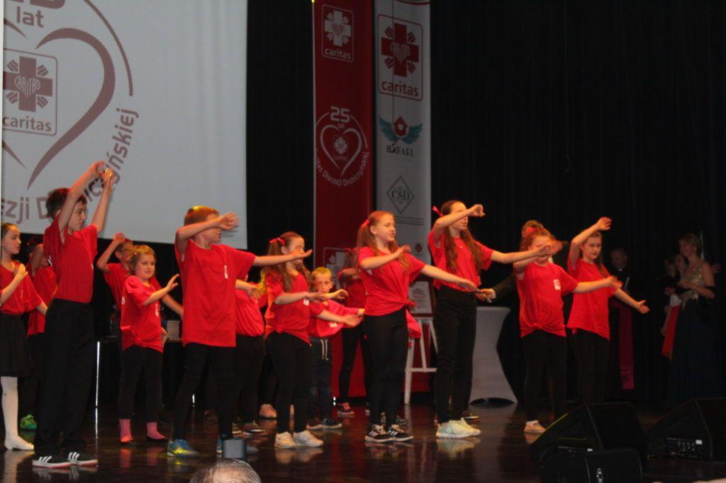 foto: Gala jubileuszowa 25-lecia Caritas Diecezji Drohiczyńskiej - IMG 5525 1024x682