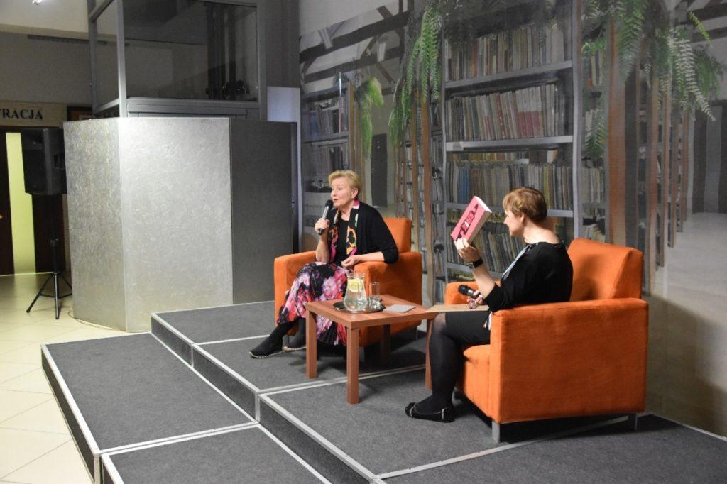 foto: Spotkanie autorskie Krystyny Kofty w MBP - DSC 0039 1024x682