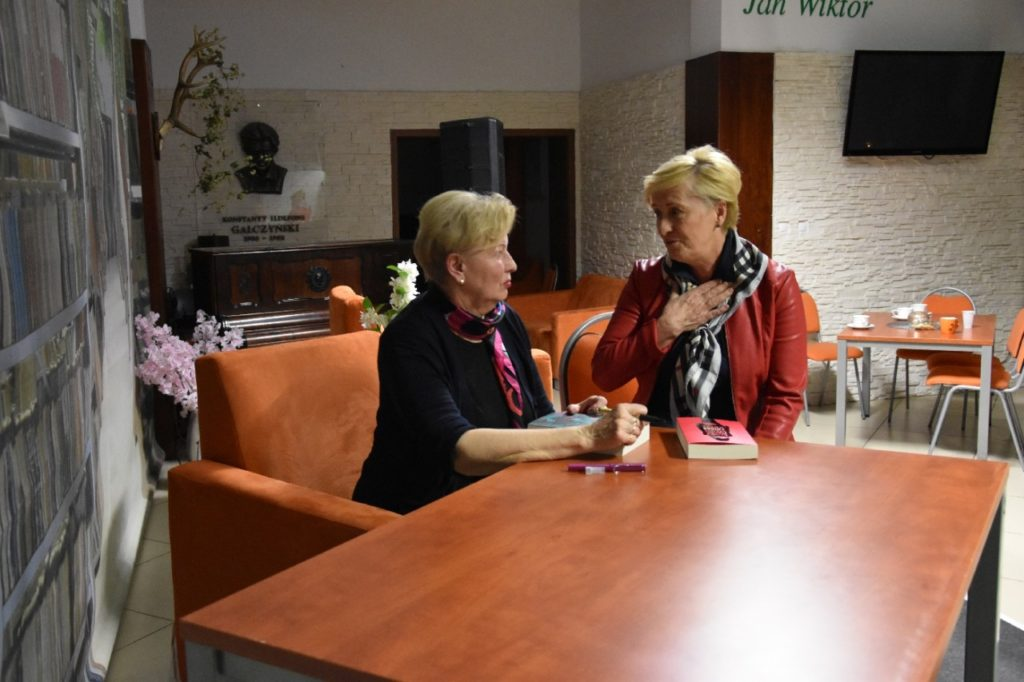 foto: Spotkanie autorskie Krystyny Kofty w MBP - DSC 0059 1024x682