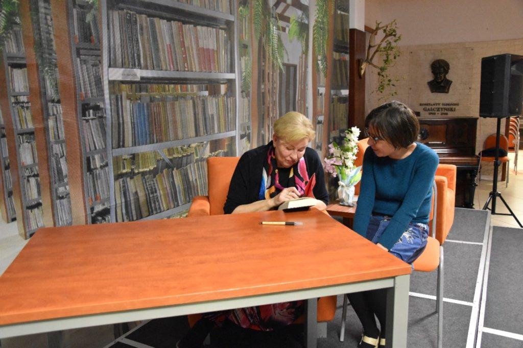 foto: Spotkanie autorskie Krystyny Kofty w MBP - DSC 0063 1024x682