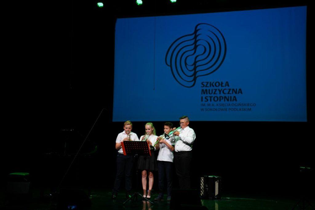 foto: Szkoła – Miastu: Koncert Uczniów i Nauczycieli szkoły muzycznej - 19 1024x682