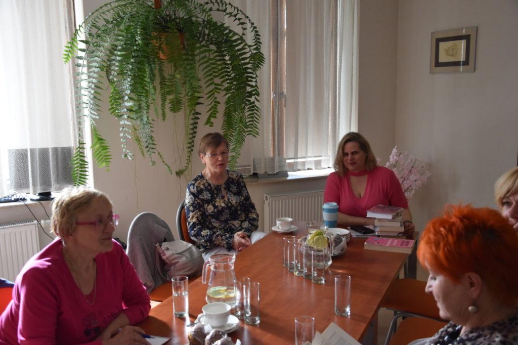 """foto: Spotkanie Dyskusyjnego Klubu Książki """"Zielona Gęś"""" w MBP - DSC 0085 1024x682"""