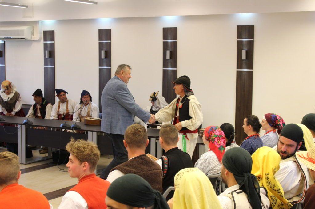 foto: Delegacje zespołów z wizytą w UM - IMG 7914 1024x682